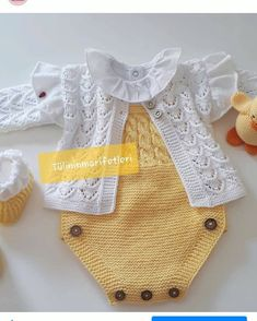Crochet Bebe, Small One, Baby Knitting, Knits, Clothes, Instagram, Crochet Baby Clothes, Baby Girls, Knitting And Crocheting
