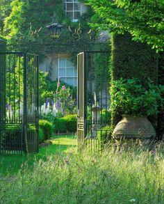"""nordicsublime: """" classicalbritain: """" Highgrove Royal Gardens - Gloucestershire, England """" garden gardens gardening """""""