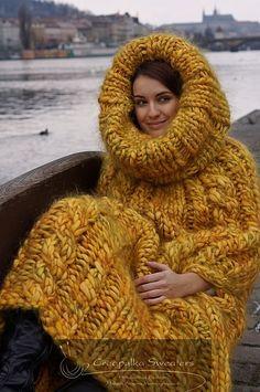 knitting, knitwear, crochet & other fiber obsessions Giant Knitting, Knitting Yarn, Knitting Patterns, Crochet Patterns, Mohair Sweater, Ugly Sweater, Turtleneck, Yarn Bombing, Knit Fashion