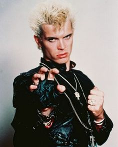 Billy Idol is a vegetarian musician Billy Idol, 80s Music, Music Icon, 80s Songs, Rock Music, Hard Rock, 80s Punk Fashion, Rocker Fashion, Indie