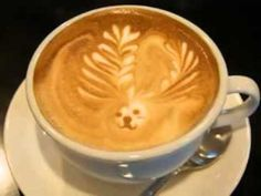 Incredible Christmas Latte Art ... for the Barista in You! ... I see reindeer antlers, do you?