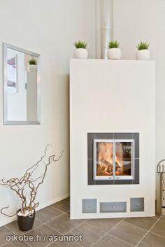 Myynnissä - Paritalo, Raadelma, Kaarina: #oikotieasunnot #takka #tulisija Fireplaces, Home Decor, Log Fires, Homemade Home Decor, Fire Places, Fire Pits, Fireplace Mantel, Decoration Home, Interior Decorating