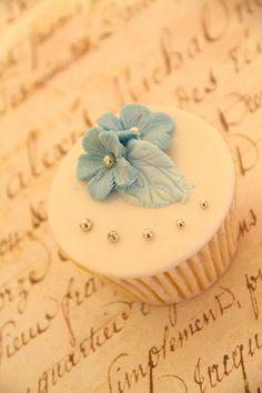Wedding Samples for Haylie! | by Bella Cupcakes (Vanessa Iti)