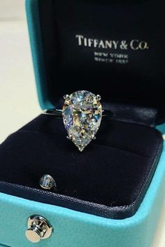Tiffany Diamond jewelry - 24 Tiffany Engagement Rings That Will Totally Inspire You. Dream Engagement Rings, Perfect Engagement Ring, Vintage Engagement Rings, Tiffany Engagement Rings, Halo Engagement, Tiffany Wedding Rings, Tiffany Rings, Teardrop Engagement Rings, Wedding Rings Teardrop