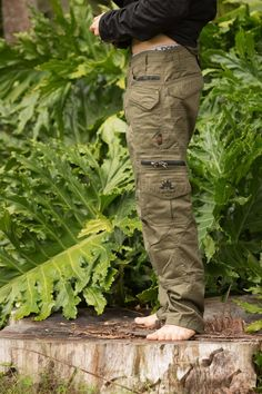 ✔️ 54 Best of Aggressor Elite Tactical Pants Ideas Tactical clothing is an integral part of any law enforcement agency's overall uniform. Apart from its symbolic significance in identifying a troop fro. Mens Tactical Pants, Tactical Clothing, Army Clothes, Mens Outdoor Clothing, Combat Pants, Cargo Pants Men, Loose Shorts, Outdoor Outfit, Festival Clothing