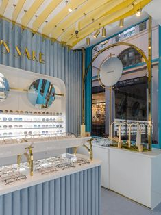 A snapshot of the inside of our luxury sunglasses store - For Art's Sake. It's a MUST SEE if you are visitng Covent Garden. Boutique Interior, Shop Interior Design, Retail Design, Boutique Decor, Design Shop, Interior Paint, Design Design, Covent Garden, Shoe Store Design