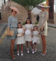 Bgo & Me Tienda online - Moda Tea Party Outfits, Derby Outfits, Party Dress, Royal Clothing, Fancy Hats, Maid Dress, Dressed To The Nines, Estilo Fashion, Casual Wedding