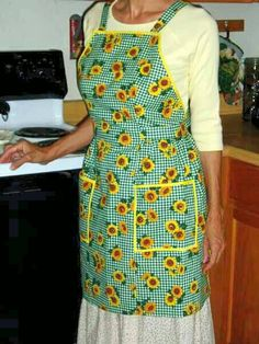 #craftshout  $30 Check out this item in my Etsy shop https://www.etsy.com/listing/224614793/full-size-apron-retro-apron-hand-sewn To view the rest of my items go here: Https://www.etsy.com/shop/madewiththekids