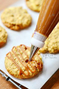Dulce de Leche Apple Caramel Oatmeal Cookies | willcookforsmiles.com