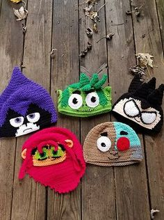 Crochet Hats Ideas Ravelry: Teen Titans Go Hat Pattern Outline pattern by Hillary Thompson - Boy Crochet Patterns, Crochet Beanie Pattern, Crochet Kids Hats, Love Crochet, Diy Crochet, Crochet Crafts, Hat Patterns, Crocheted Hats, Knit Hats