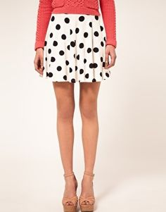 I just love polkadot skirts