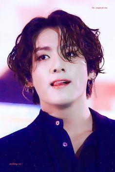 Jungkook: If she wants me, then I'll be hers. Foto Jungkook, Foto Bts, Jungkook Oppa, Bts Bangtan Boy, Bts Boys, Taehyung, Busan, Playboy, Jung Kook