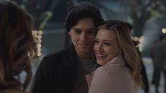 A Betty and Jughead(Bughead) music video :) the Song is Dice by Finley Quaye. I recently heard this song on a TV show I was rewatching and thought it would b. Memes Riverdale, Riverdale Season 1, Bughead Riverdale, Riverdale Poster, Veronica, Jughead Jones Aesthetic, Stranger Things, Betty Cooper Riverdale, Riverdale Betty And Jughead