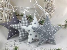Christmas Vases, Easy Christmas Ornaments, Christmas Sewing, Christmas Diy, Yule Crafts, Felt Crafts Diy, Christmas Projects, Christmas Crafts, Xmas Tree Decorations