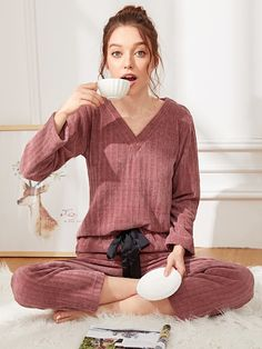 Shop V Neck Ribbed Pajama Set online. SHEIN offers V Neck Ribbed Pajama Set & more to fit your fashionable needs. Loungewear Outfits, Pajama Outfits, Cozy Pajamas, Pyjamas, Satin Pyjama Set, Pajama Set, Mode Ulzzang, Pijamas Women, Cute Sleepwear