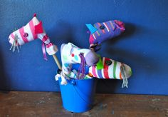 Crafty Kids - Mini-hobby horses (and MORE! click this link)