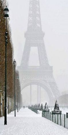 Travel The World.Winter in Paris - Eiffel Tower - France - Paris, is always a good IDEA! Places Around The World, Oh The Places You'll Go, Places To Travel, Places To Visit, Beautiful World, Beautiful Places, Beautiful Streets, Simply Beautiful, Wonderful Places
