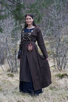 Not quite the standart apron dress, but nice! http://www.valkyrja.com/