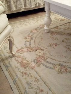 I would love to find a old, beautiful carpet like this for my living or master bedroom