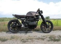 """BMW K75 """"Tatanka"""" Nuova nata per lo specialista in moto tedesche di Vigevano, capace di riportare a nuova vita vecchie BMW, come questa K75 rimessa in sesto con uno stile da vera cafe racer"""