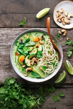 spicy green curry that is packed with fresh herbs like basil, cilantro, and mint. Served with noodles and stir-fried vegetables! Curry Recipes, Asian Recipes, Vegetarian Recipes, Healthy Recipes, Ethnic Recipes, Healthy Food, Healthy Lunches, Asian Foods, Avocado Recipes