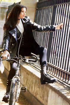 vintagesalt:  Liv Tyler, 1993