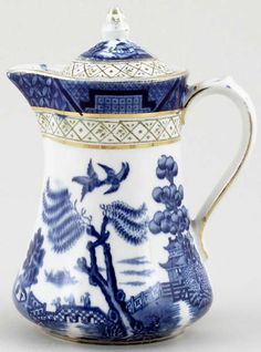 Booths Hot Water Jug Blue Willow China, Blue And White China, Blue China, Love Blue, Red White Blue, Willow Pattern, Blue Pottery, Blue Plates, China Patterns