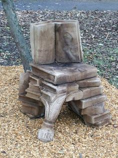 Story Chair - Carved from a tree by Frankland Tree Services (UK)     http://www.ftstrees.co.uk/carvings