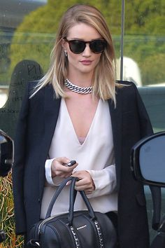 Why Blowouts and Blazers Are a Perfect Match: Rosie Huntington-Whiteley, Miranda Kerr, and More Waru Rose Huntington, Rosie Alice Huntington Whiteley, Rosie Huntington Hair, Fashion Mode, Daily Fashion, Girl Fashion, Blonde Hair Looks, Corte Y Color, Sleek Hairstyles