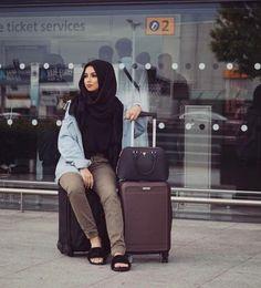Sohamt hijab traveling style  – Just Trendy Girls