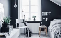 Arvid's monochrome bedroom in Gothenburg