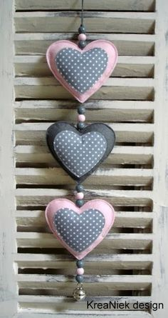 How to make a heart out of fabric - Valentine Day Creation Deco, Creation Couture, Diy And Crafts, Crafts For Kids, Arts And Crafts, Felt Christmas, Christmas Crafts, Valentine Crafts, Valentines