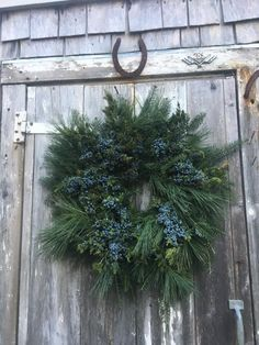 🌟Tante S!fr@ loves this 📌🌟 Country Christmas, Outdoor Christmas, Winter Christmas, Christmas Crafts, Decoration Table, Xmas Decorations, Holiday Wreaths, Holiday Decor, Deco Nature