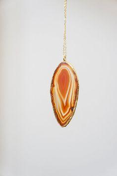 Large Slice Agate Necklace, Boho Necklace, Tribal Neckalce, Layering Necklace, Layer Necklace Gold Necklace Brown Necklace Gemstone Necklace #bestofEtsy #jewelry