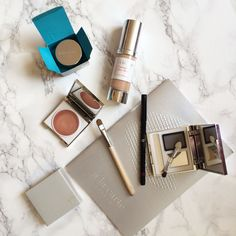 A la Carte Makeup as reviewed by blogger Bumpkin Betty