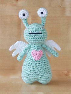 Amor the Monster crochet pattern by Little Bear Crochets: littlebearcrochets.etsy.com ❤️ #littlebearcrochets #amigurumi