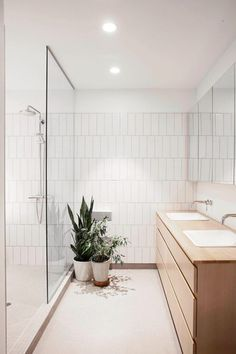 Bathroom ideas, master bathroom remodel, master bathroom decor and master bathroom organization! From claw-foot tubs to shiny fixtures, these are the master bathroom that inspire me the most. Bathroom Renos, White Bathroom, Master Bathroom, Bathroom Ideas, Minimal Bathroom, Bathroom Vanities, Shower Ideas, Vanity Sink, Bathroom Wall