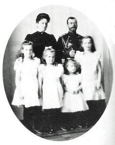 Romanovs/ Tsar Nicholas II, Tsarina Alexandra Feodorovna, Grand Duchess' Anastasia, Maria, Tatiana & Olga