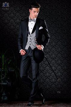 Black shawl Italian tuxedo and gray vest Black Tuxedo, Tuxedo For Men, Black Tie, Wedding Men, Wedding Suits, Blue Tuxedos, Groom Tuxedo, Pique Shirt, Grey Vest