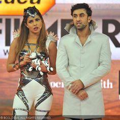 Hosts Ranbir Kapoor and Priyanka Chopra at the 59th Idea Filmfare Awards in Mumbai at YashRaj Studios. #Style #Bollywood #Fashion #Beauty