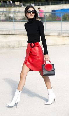 We're breaking down the fashion staples that define Italian-girl style. See the 8 pieces that made our list of must-haves.