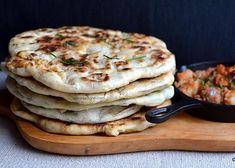 Plăcinte ardelenești cu crumpi răntăliți.Potato and sauteed onion pies. #savoriurbane #retetedepost  ______🍽🍽🍽_____ Reteta pe savoriurbane.com ______🍽🍽🍽_____ #traditional #transylvanian #pies #potatopie #onionpie #instapie #veganpie #vegetariano #boiledpotatoes #sauteed #sauteedonions #paprika #placinta #placinte #cartofi #ceapacalita #cartofitaranesti #retetaveche #placintepelespede #placintecodrenesti #romaniancuisine Easy Meal Prep, Easy Meals, Crockpot Recipes, Vegan Recipes, Barley Recipes, Party Food Meatballs, Grape Jelly Meatballs, Vegan Pie, Romanian Food
