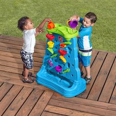 Step 2 Waterfall Discovery Wall helps kids learn the basics of cause and effect. Kids learn as they mix and match the moveable water maze pieces on the Waterfall Discovery Wall creating endless ways to play! Moveable pieces fit on both sides of the wall, allowing multiple kids to play together. This helps to develop their essential social and sharing skills. Little ones will enjoy scooping the water and watching as it cascades through the spinners, zigzags and funnels on this double-sided…