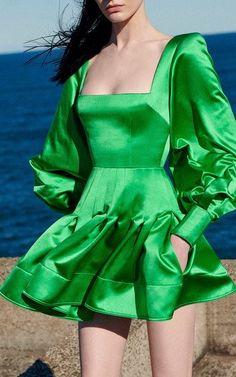Alex Perry, Haute Couture Style, Rock Dress, Daily Fashion, High Fashion, Satin Mini Dress, Short Dresses, Summer Dresses, Mode Inspiration