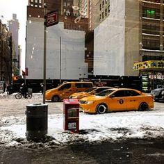 Einmal im Leben nach New York! Wir haben einen Kurztrip gemacht nach NYC. Der zweite Teil des Reiseberichtes ist jetzt online auf dem Blog! Mit dabei ein Schneesturm, Besuch der MoMA, Trump Tower und Grand Central Station. #kurztrip #travel #reise #urlaub #nyc #newyork #winter #travelphotography #travelphoto #ny #travelingram #what_i_saw_in_nyc #traveler #traveltheworld #travelling #travelbug #blizzard #MoMA #museum #grandcentralstation #nypubliclibrary #centralpark #ig_nycity #newyorkcity…