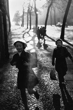 Leonard Freed, East Germany, Leipzig, Running to school, 1965