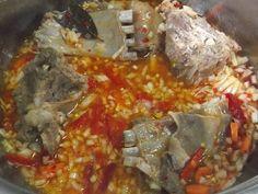 Hellena ...din bucataria mea...: Carne de capra cu varza murata Chicken, Meat, Food, Essen, Yemek, Buffalo Chicken, Eten, Meals