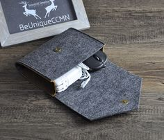 Felt Charger caseCosmetic pouchDitty bagMake-up by BeUniqueCCMN