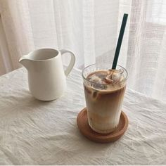 Are You Into Coffee? Check Out This Coffee Advice! But First Coffee, Coffee Love, Iced Coffee, Coffee Drinks, Coffee Break, Coffee Shop, Iced Latte, Cream Aesthetic, Aesthetic Coffee