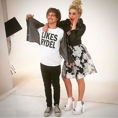 this is completely real...go on youtube and search up r5 photoshoot 2015, and go to the most recent one...we shouldn't be surprised...and GO ON YOUTUBE TO MARLENA 128 YOUTUBE CHANNEL AND WATCH r5 photoshoot x4...RYDEL KISSES RATLIFF ON THE LIPS